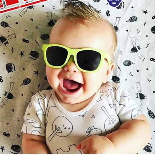 Солнцезащитные очки Babiators Original Галактика (серые) - стильные и безопасные детские очки от солнца!