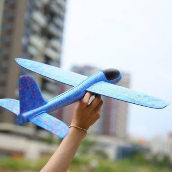 Метательный самолет-планер